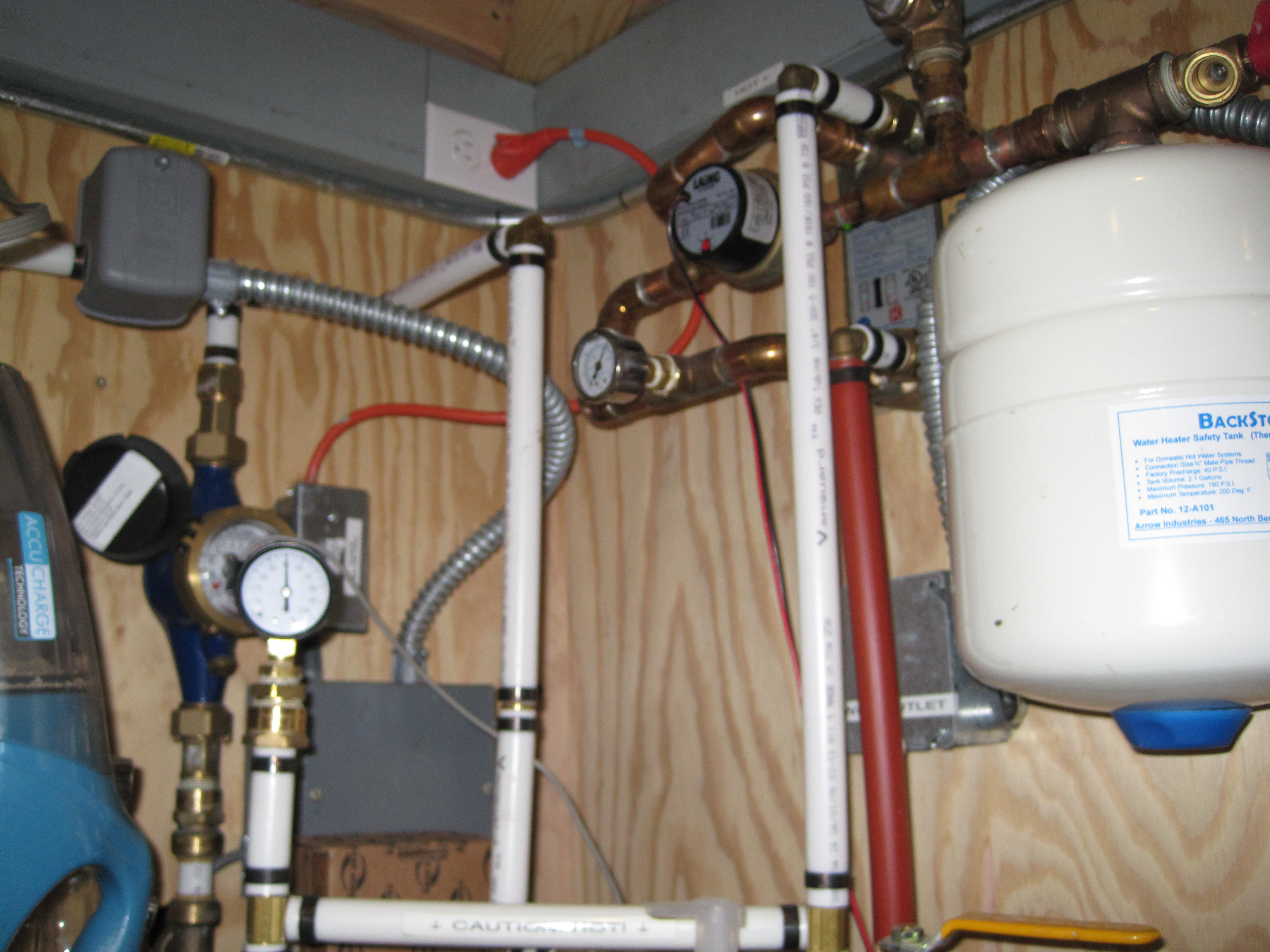 Flat plate heat exchanger, expansion tank, glycol circulation pump ...