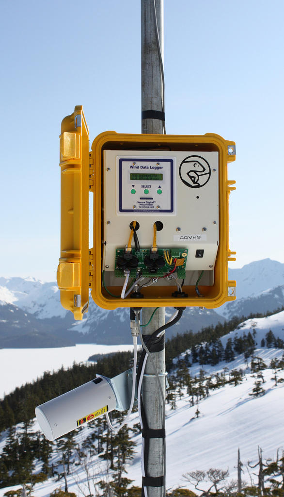 APRS6065: Polar Edition #40R Solar Powered Wind Data Logger Package, Installed in Cordova, AK (With Optional Wireless Antenna)